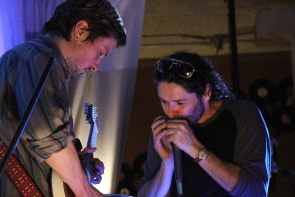 Darryl Düus and Evan Uschenko playat the Owl Acoustic Lounge, Sept. 28.Photo by Richard Amery