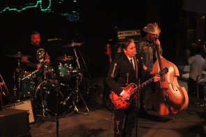 John Doe playing with Jesse Dayton and his band. Photo by Richard Amery